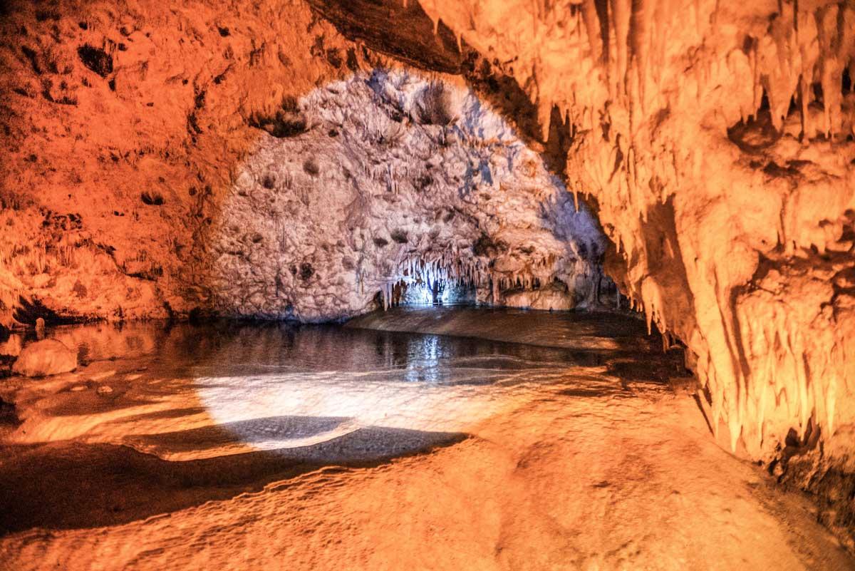Τα μυστικά του σπηλαίου της Ανεμότρυπας